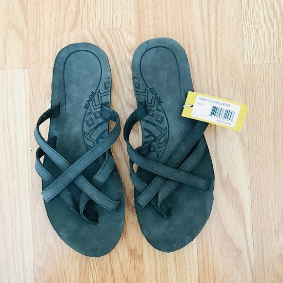 1acbff44adb0 Teva Olowahu Sandals